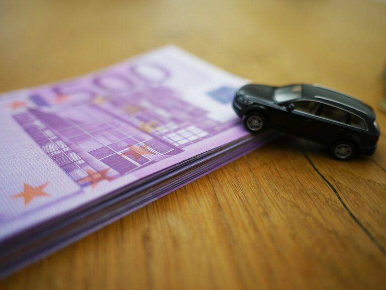 Porovnejte si jednotlivé možnosti výkupu aut za hotové, které vám nabídnou ve velkých bazarech a zjistěte, která z variant je pro vás výhodnější