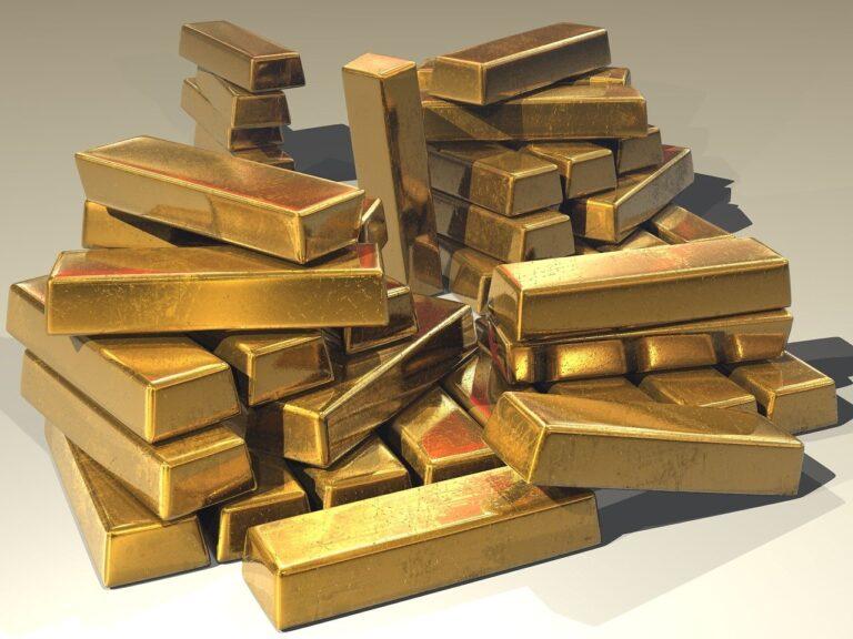 Rostoucí inflace tlačí ceny zlata nahoru. Nakupte jej co nejdříve